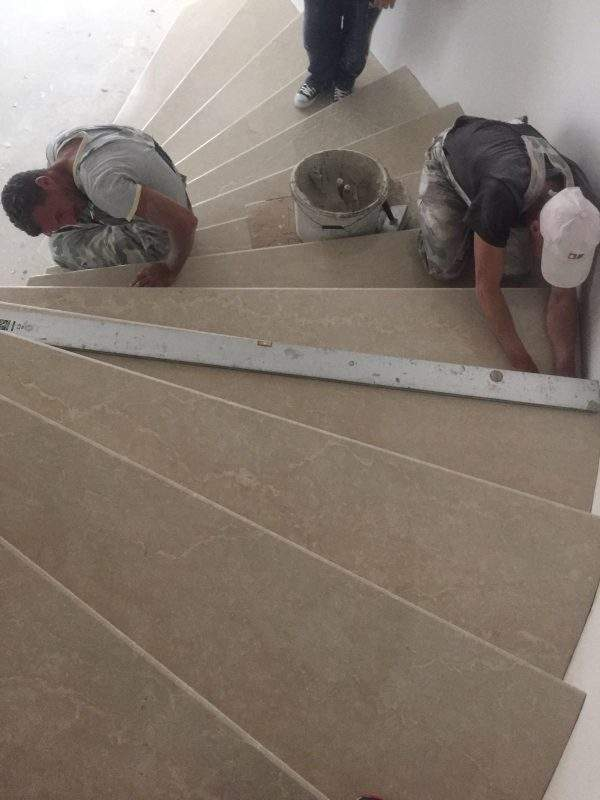 montaj trepte din marmura Cluj
